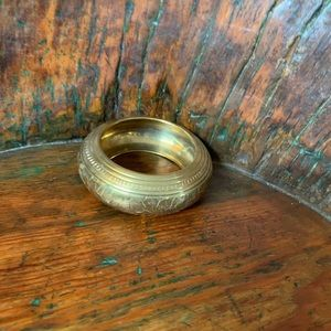 Jewelry - Brass bangle